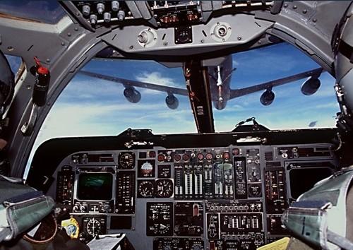 B1_cockpit