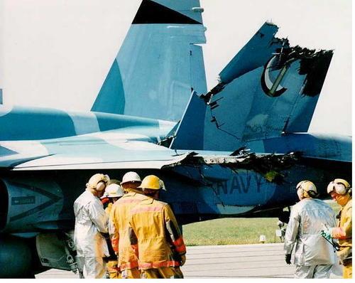F18midair2